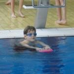 2016 Schwimmen Impressionen Beinstaffel mit Brett (Small)