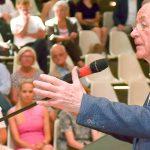 Franz Müntefering hielt am Donnerstag den Festvortrag in der Aula des Heinrich-Heine-Gymnasiums. (Foto: Michael Korte)
